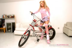 Antonia Deona - Blonde Hard Rider (Thumb 01)