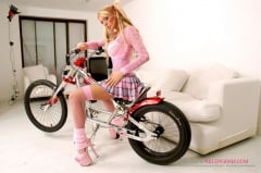 Antonia Deona - Blonde Hard Rider (Thumb 02)