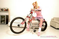 Antonia Deona - Blonde Hard Rider (Thumb 04)