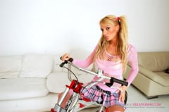 Antonia Deona - Blonde Hard Rider (Thumb 05)