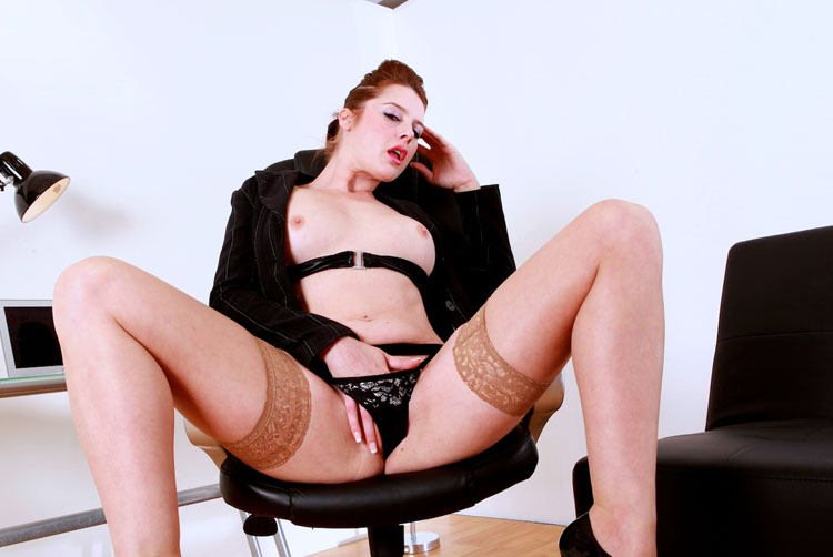 Killergram 'An Office Audition' starring Karina Currie (photo 1)