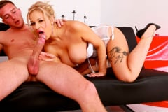 Katie James - The Hot Babe Is Back (Thumb 05)