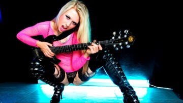 Michelle Moist - A Rock Chick Honey