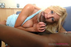 Samantha Bond - Platinum Milf Shafting (Thumb 03)