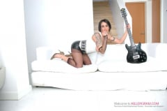 Victoria Brown - A Rock Hard DP Session (Thumb 04)
