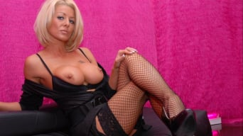 Tia Layne in 'Let Me Try You Out'